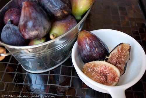 fresh fig muffins-2