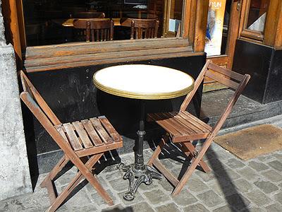 chaises en bois.jpg