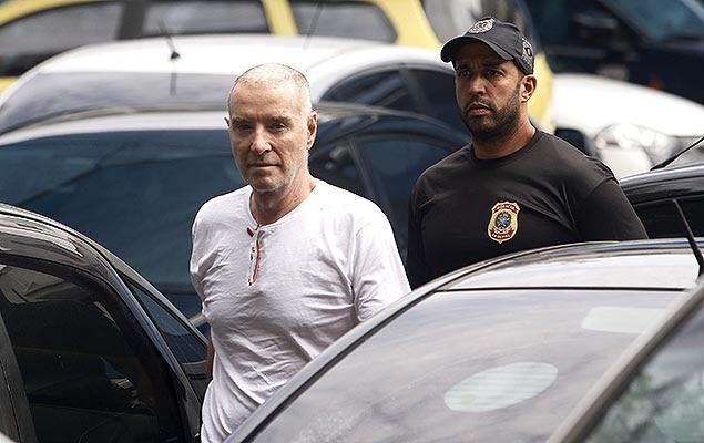 O empresário Eike Batista chega à Superintendência da Polícia Federal, na zona portuária do Rio, para prestar depoimento