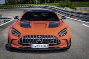 Mercedes-AMG GT Black Series oleh - mercedesbenzgleclass.xyz