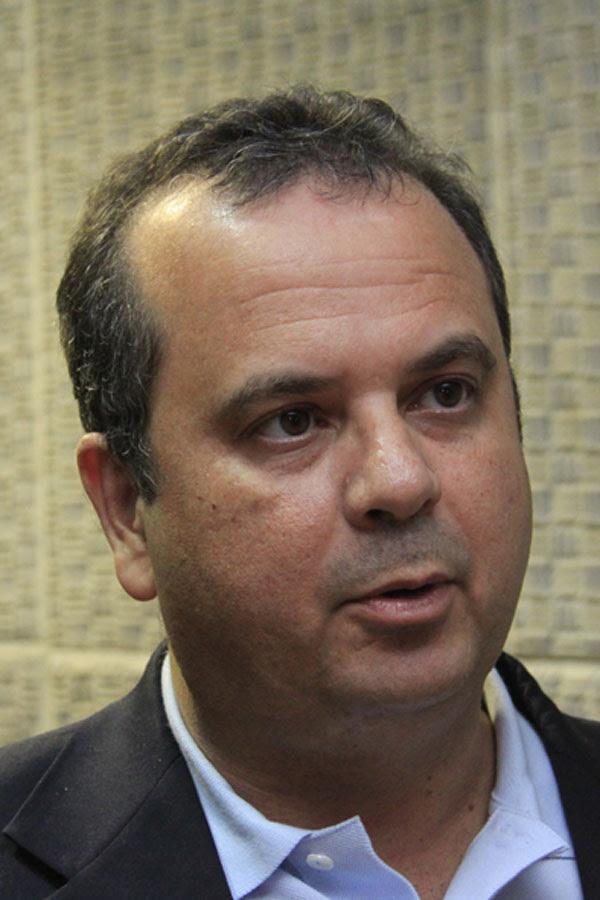 Rogério Marinho tem 7,43%, empatado tecnicamente com Hermano Morais
