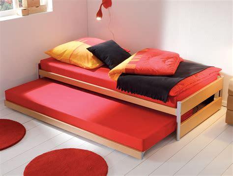 ausziehbett mit ober und unterbett  kombination tom