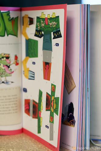 Papertoy Monsters Book 015