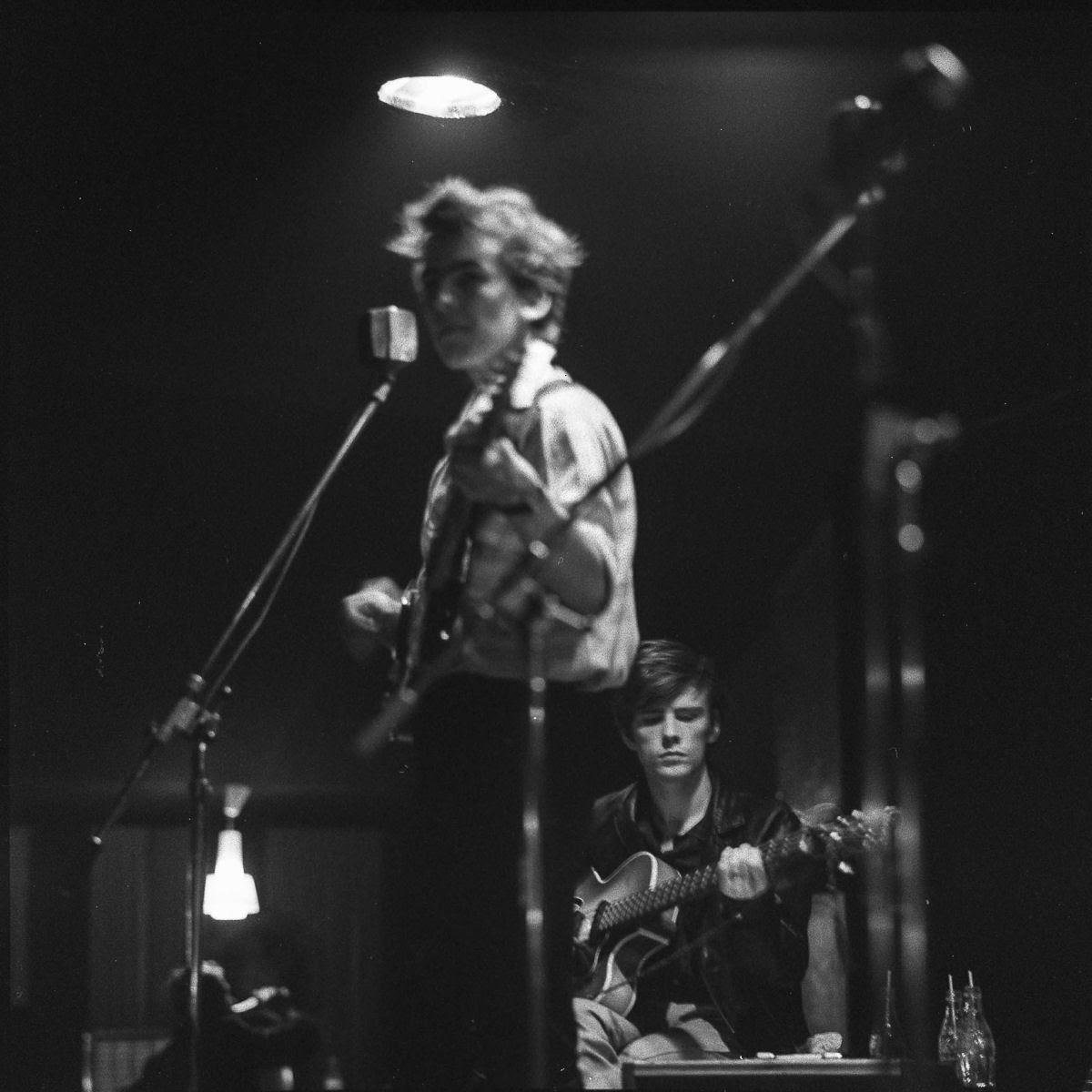 """Stuart Sutcliffe, a breve vida de um pintor talentoso e um baixista medíocre, o """"quinto Beatle"""" 03"""