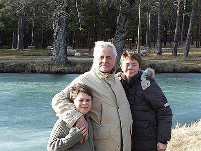 le grand-père et ses petits-fils