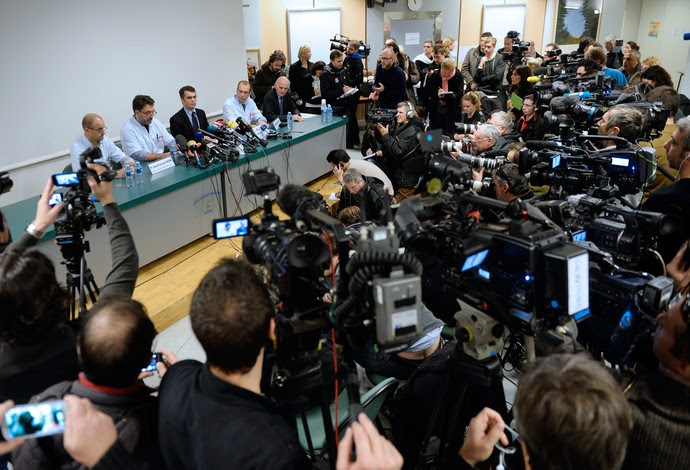 Michael Schumacher hospital coletiva (Foto: AFP)