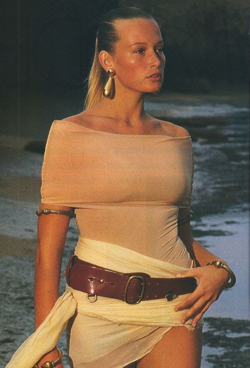 """La Golden Girl : Hypersexy"", Elle France, March 1989 Photographer : Marc Hispard Model : Estelle Lefebure"