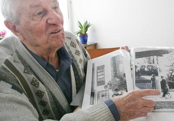 Rochus Misch, em entrevista em 2005; ex-guarda-costas e última testemunha viva de suicídio de Hitler morreu aos 96 anos - Herbert Knosowski - 10.mar.05/Associated Press