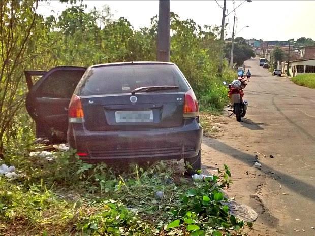 Polícia investiga caso, e amigos acreditam que homem tenha sido vitima de latrocínio (Foto: Suelen Gonçalves/G1 AM)