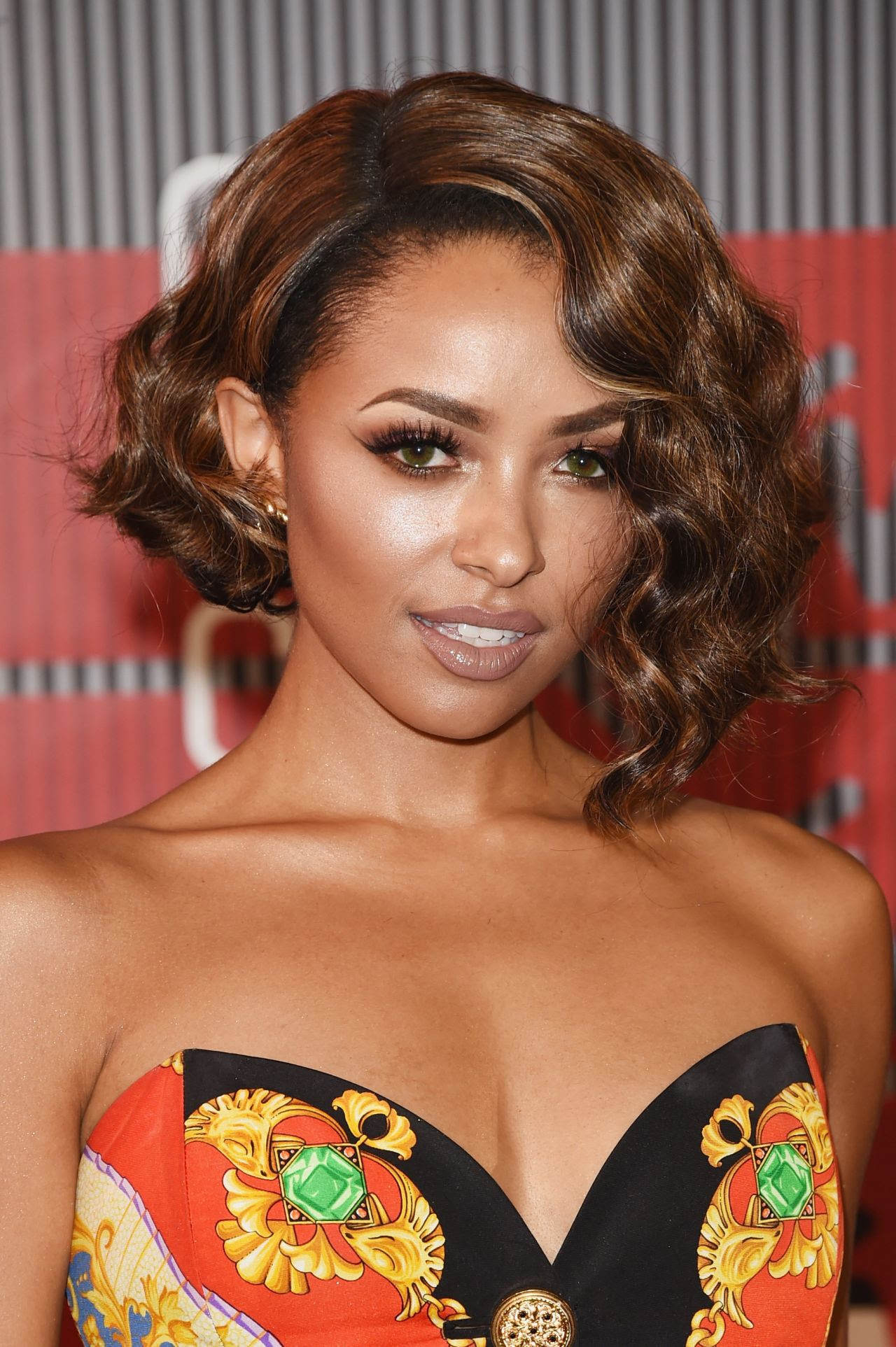 http://celebmafia.com/wp-content/uploads/2015/08/kat-graham-2015-mtv-video-music-awards-at-microsoft-theater-in-los-angeles_3.jpg