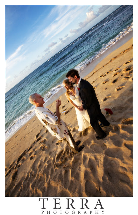 Terra Photography: Hawaii Wedding Photography