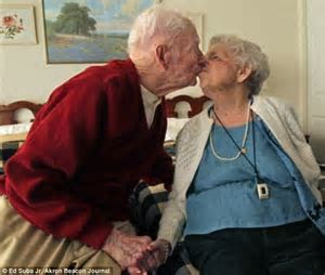 Couple celebrates 80th wedding anniversary as they both