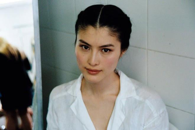 Sau biểu cảm mặt đơ, Sui He bị lục lại ảnh cũ và vướng nghi án thẩm mỹ vài bộ phận trên khuôn mặt - Ảnh 6.