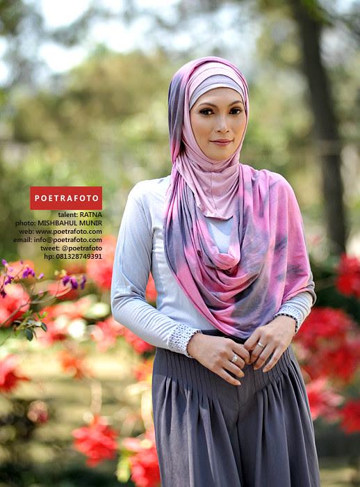Foto Model Jilbab Busana Muslimah Cantik - Beautiful Hijab ...