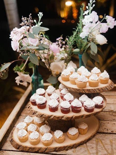 25 Amazing Rustic Wedding Cupcakes & Stands   Deer Pearl