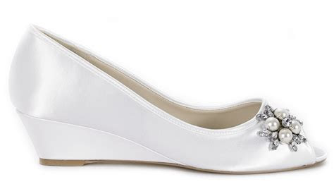Outfit & Attire: Fabulous Wedding Wedges For Bride