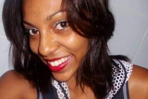 Mãe de jovem morta por PM do Rio pede fim da impunidade de policial