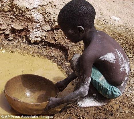Bocah Negro Penggali Emas di Afrika