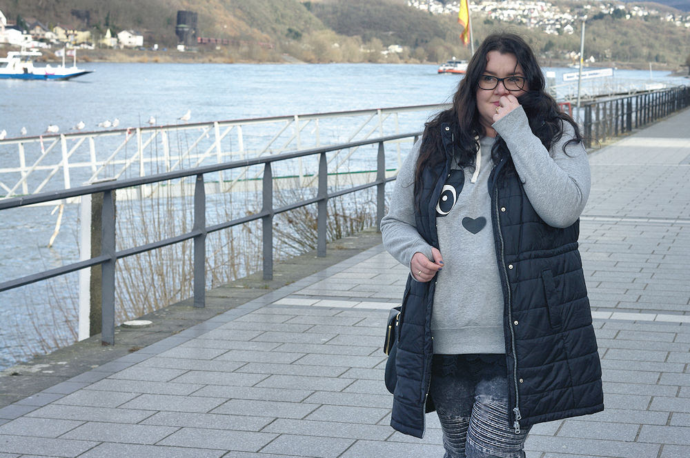 Große Größen Plus Size Fashion Blog long vest lange weste sheego takko biker jeans