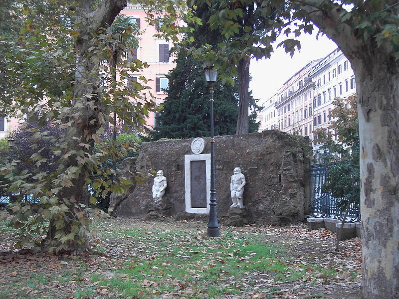 File:Piazza Vittorio Porta magica 9511-02.JPG