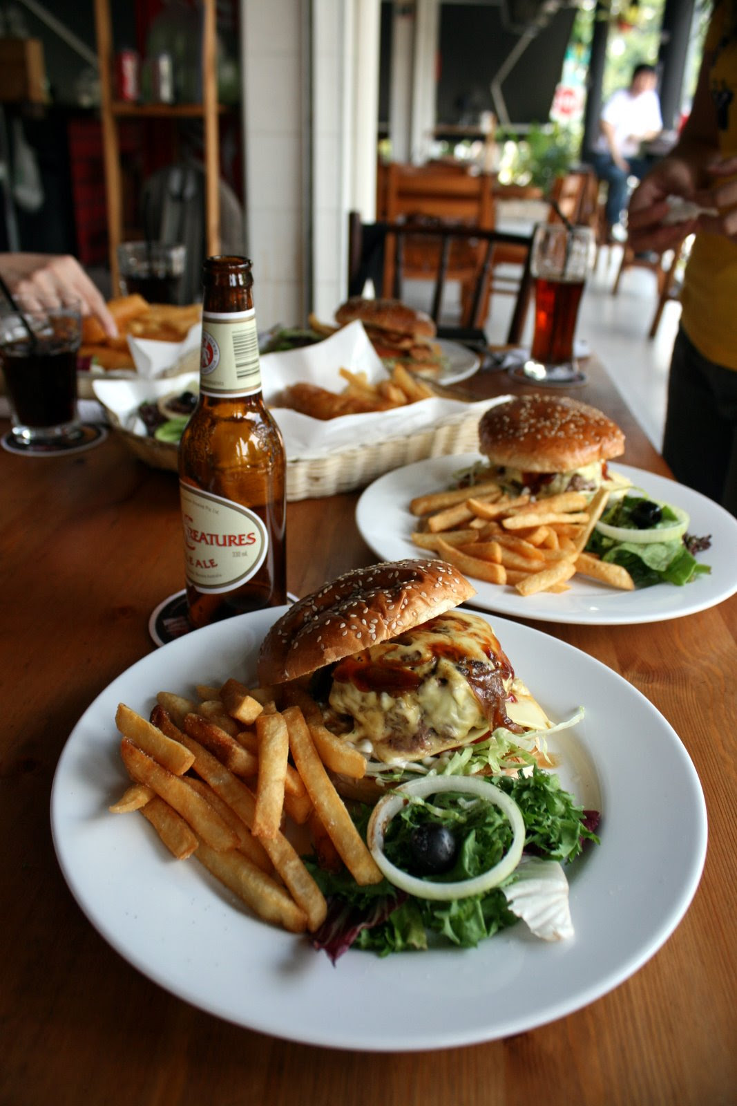 Cosy, laid-back atmosphere with beer and burgers