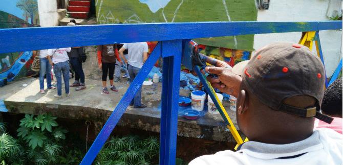 Desmovilizados apoyaron labores de embellecimiento en la comuna 20, este domingo