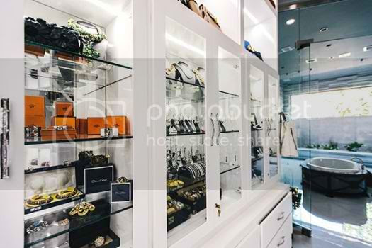See The Biggest Closet Ever by Theresa Roemer photo biggest-celebrity-closet-06_zps224029b5.jpg