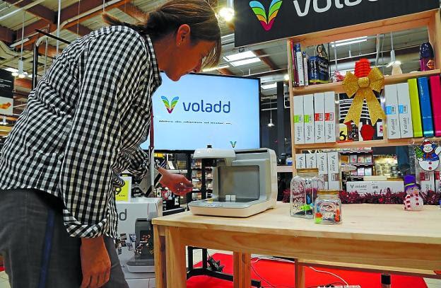 Una de las impresoras 3D que fabrica Tumaker, que participará en Krea Bidasoa. /  FRAILE
