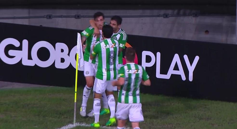 Rildo comemora gol marcado na Arena Fonte Nova (Foto: Reprodução)