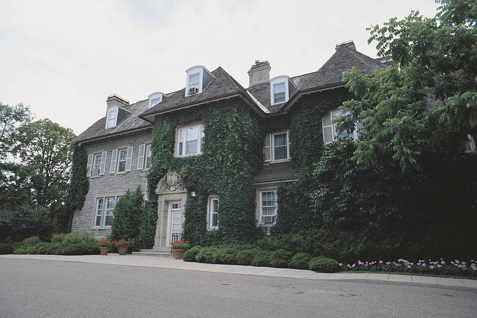 The official residence of Canada's prime minister, at 24 Sussex Drive, is in urgent need of repairs, according to the country's spending watchdog.
