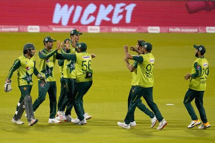 Eight Pakistan cricket players test positive in New Zealand, as footage shows quarantine violations.