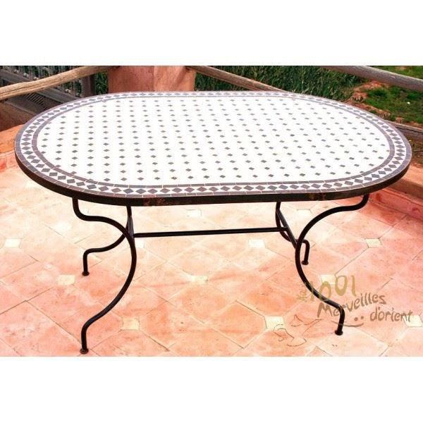 Table et chaises de terrasse table de jardin marocaine - Table de jardin en zellige ...