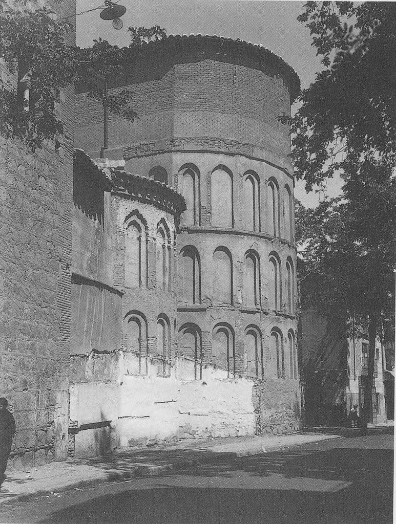Ábside de la Iglesia de Santiago del Arrabal a principios del siglo XX. Foto Rodríguez