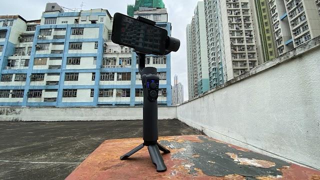 【拍 Vlog 必備】S5B 三軸手機拍攝穩定器 短片都可拍出電影感