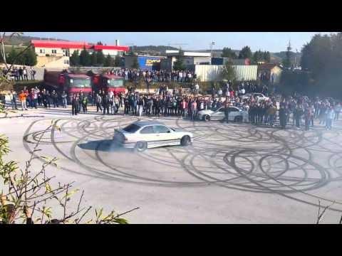 Wildes driften beim BMW Club Macedonia Treffen in Veles