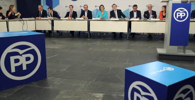 El líder del PP, Mariano Rajoy, durante la reunión del Comité Ejecutivo Nacional del partido, la primera tras perder el Gobierno en la moción de censura. EFE/ Ballesteros