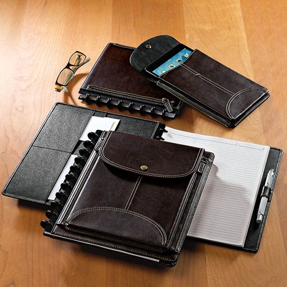 LevTex Zip-Off Pocket Foldover: A thoughtfully designed notebook ...