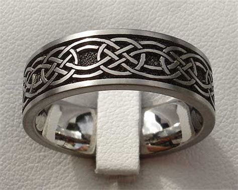 17 Best ideas about Celtic Wedding Bands on Pinterest