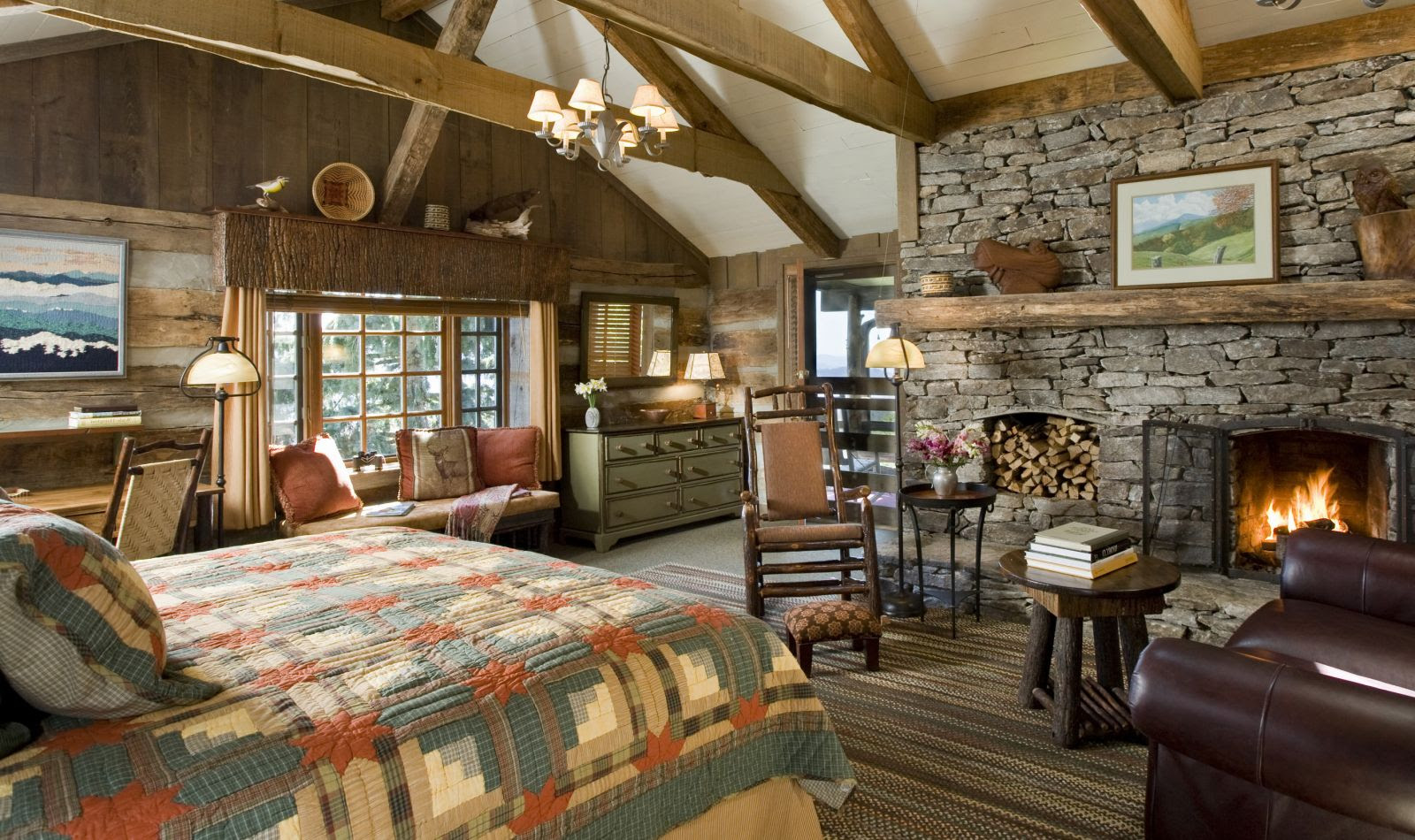 Farmhouse bedroom with fireplace Country Style