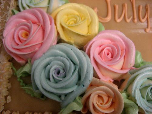 Estrel's Famous Flower Icings