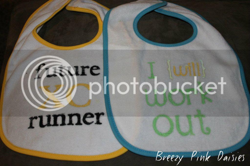 Athletic Baby Bibs DIY with Freezer Paper