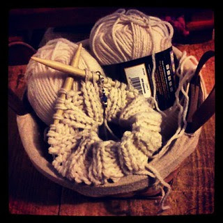 #knitting a hat for #sandycraftalong #knit #charity #Sandy