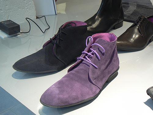 chaussures violettes.jpg