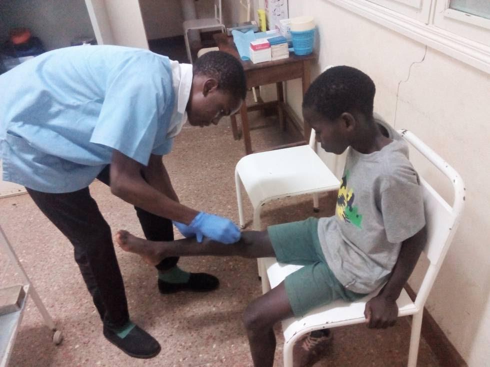 En la enfermería cuidan la salud de los niños.