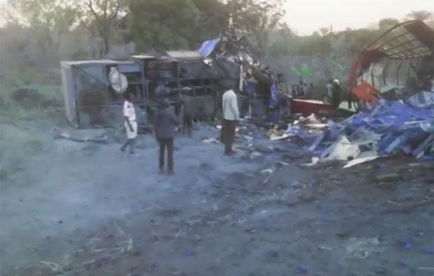 Colisão entre ônibus e caminhão deixou 47 mortos em Gana (Foto: Reprodução/YouTube/MyJoyOnline )