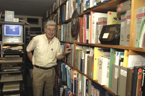 1-Max Burnet e livros