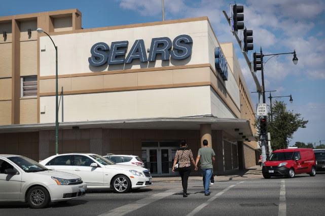 En mai, Sears comptait environ 800 magasins, comparativement... (Photo Scott Olson, archives AFP)