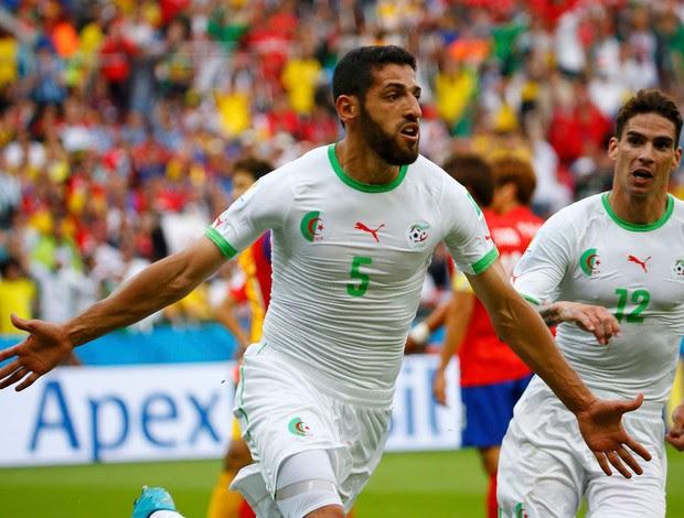 Djabou gol Argélia x Coreia (Foto: Reuters)