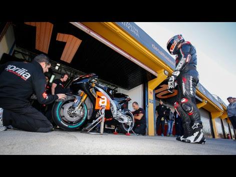 Alex-Hoffmann-Aprillia-Test-Team-MotoGP-Valencia-Test-581418