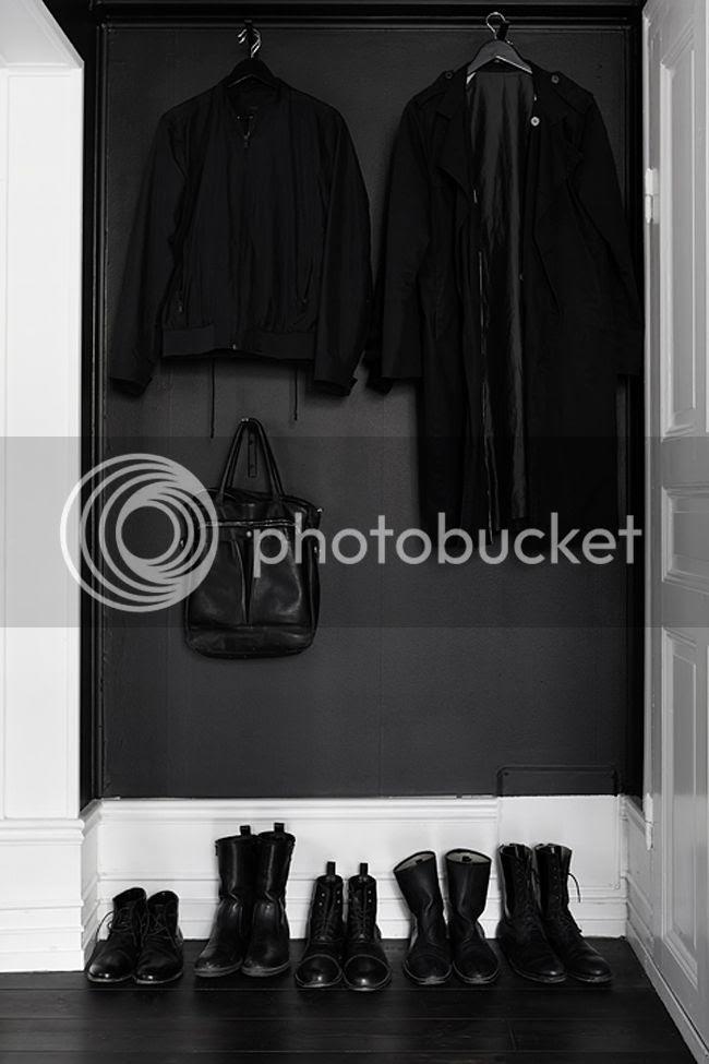 photo fantastic_frank_black_walls_emmas_designblogg_54245d022a6b222a8b381c6b_zpswhu8o1jc.jpg